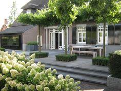 Anne Laansma - Niveauverschillen gecombineerd met een royale waterpartij - Hoog ■ Exclusieve woon- en tuin inspiratie.