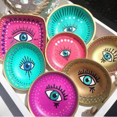 Handmade Jewellery Near Me lot Handmade Silver Necklaces Australia near Reputable Jewelry Stores Near Me Source by popularjewelrysite Pottery Painting, Ceramic Painting, Ceramic Art, Evil Eye Art, Eye Painting, Posca, Ceramic Pottery, Hand Painted Pottery, Hand Painted Dishes