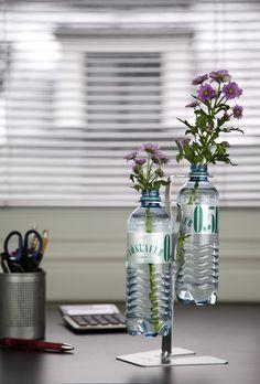 Recycling meets Design: Der REbottleBAUM zeigt auf innovative Art & Weise wie PET Flaschen wiederverwertet werden können.