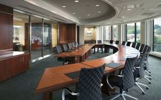 This is Beautiful Curved Shaved Boardroom Design Idea Item of Boardroom Conference Table Designs. Creative Office Space, Home Office Space, Conference Table Design, Conference Room, Law Office Design, Office Designs, Home Office Furniture Uk, Workspace Design, Design Furniture