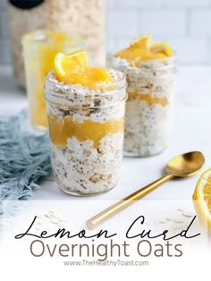 Make your mornings a little more special with a jar of healthy lemon curd overnight oats. Made with a simple homemade lemon curd, get the recipe now. - The Healthy Toast Healthy Recipes, Oatmeal Recipes, Healthy Foods, Savory Oatmeal, Vegetarian Recipes, Lemond Curd, Greek Yogurt Oatmeal, Overnight Oats In A Jar, Lemon Curd Recipe