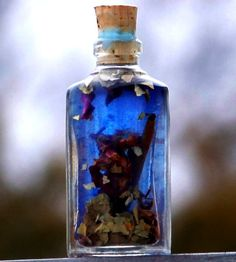 HEX BANE Blue Magic Hoodoo Oil is handcrafted with Bay Leaf, Sweet Cinnamon (Cinnamomum zeylanicum) chips from Madagascar, Myrrh resin, Red Rose Petals, Blue Vervain, Red Wine, Hyssop, premium Celtic Sea Salt and Dead Sea Salt. Use this powerful blend to eliminate baneful energies, break hexes, remove jinxes and uncross conditions.