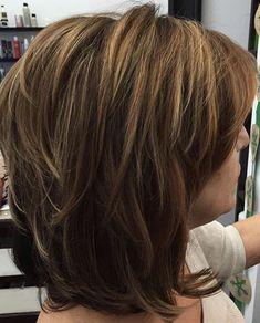 20 short to medium layered haircuts - Frisur ideen - Layered Haircuts For Women, Short Hairstyles For Thick Hair, Short Hair With Layers, Latest Hairstyles, Hairstyles 2018, Layered Haircuts For Medium Hair Choppy, Modern Hairstyles, Fashion Hairstyles, Medium Hair Styles For Women With Layers