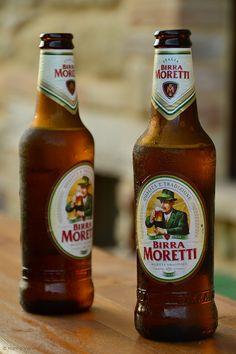 Birra Moretti era una compañía de elaboración de la cerveza italiana, fundada en Udine en 1859 por Luigi Moretti. En 1996 la compañía fue adquirida por Heineken International. La planta de elaboración de la cerveza en Udine fue vendido a la recién formada Birra Castello SpA; Moretti es ahora una marca de Heineken. Hay 6 cervezas bajo la marca Birra Moretti: Birra Moretti siendo la principal, una cerveza dorada pálida 4,6% Lanzado en 1859 Seguido por La Rossa, un 7,2% fuerte cerveza oscura o…