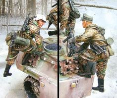 World War II German Winter CS00551 Jagdpanther Tank Climbers - Made by The Collectors Showcase Military Miniatures and Models. Factory made, hand assembled, painted and boxed in a padded decorative box. Excellent gift for the enthusiast.