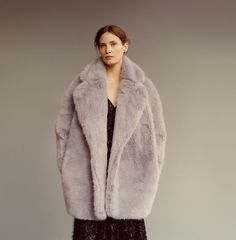 Look book, Campaign | WHISTLES That fluffy coat.