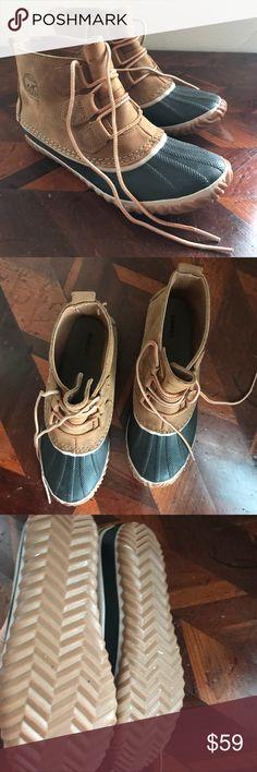 Sorel Rain Boots EUC Sorel Rain Boots - Worn twice Sorel Shoes Winter & Rain Boots