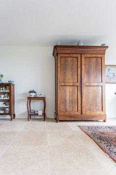 Travertin light tegels in Krimpenerwaard - Travertin light vloertegels | natuursteen vloeren | Kersbergen.nl Home Decor, Furniture, Decor