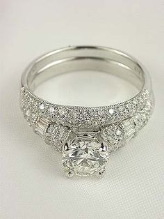 Antique Style Diamond Bridal Rings Set....so pretty. No WAY I expect this in reality but I love the style of the set