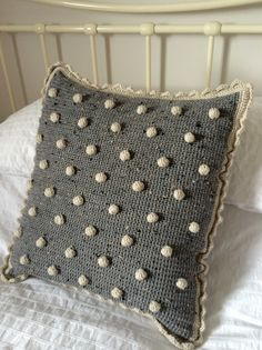 Crochet Pillow Cover New Crochet with Kate Beautiful Bobble Cushion Cushion Cover Pattern, Crochet Cushion Cover, Crochet Pillow Pattern, Pillow Patterns, Afghan Patterns, Square Patterns, Cushion Covers, Pillow Covers, Knitting Patterns