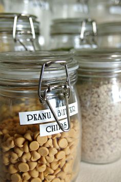 Pantry overhaul by @bailey0722 | see more on the Coffee & Crayons blog! #Brother #LabelIt