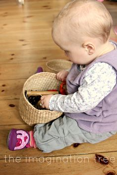 baby travel treasure basket from http://theimaginationtree.com