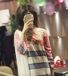 Now you are one of them to search girl dp Stylish Girls Photos, Stylish Girl Pic, Cool Girl Pictures, Girl Photos, Cute Couple Poses, Stylish Dpz, Cute Girl Photo, Beautiful Girl Image, Girls Dpz