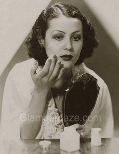 Gallery – Makeup Mirror – Women of the 1920′s. Raquel-Torres-1920s-makeup