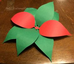 How to Make Paper Poinsettias Christmas Origami, Christmas Paper, Christmas Items, Christmas Crafts, Christmas Ornaments, Class Projects, Crafty Projects, 3d Paper, Crepe Paper
