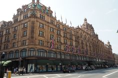 10 Things to do in London - Harrods