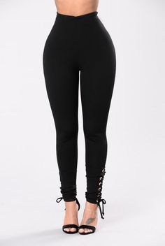 Never Mistaken Pants - Black