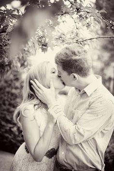 Nellie & Dan Engagement Teasers « Kara Vorwald Photography