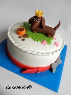 Dachshund Cake* - Half & Half with Oreo Filling.All Dairy Free . Fondant Cakes, Cupcake Cakes, Fondant Bow, Fondant Tutorial, Fondant Flowers, Fondant Figures, Beautiful Cakes, Amazing Cakes, Dachshund Cake