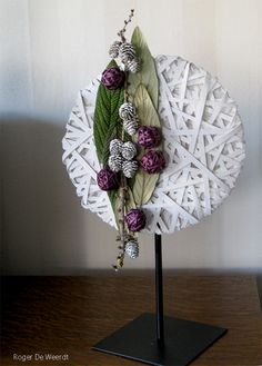 Creatieve Hobby& This is the most saved picture I have - - Creatieve Hobby&# Ikebana, Deco Floral, Arte Floral, Flower Show, Flower Art, Contemporary Flower Arrangements, Funeral Flower Arrangements, Home And Deco, Flower Decorations