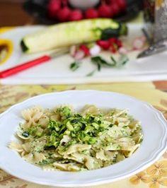 Senza Sale in Zucca: Il pesto: farfalle di kamut al pesto di zucchine