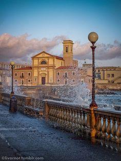mareggiata a San Jacopo - Livorno St. Jacopo church - Livorno, Italy