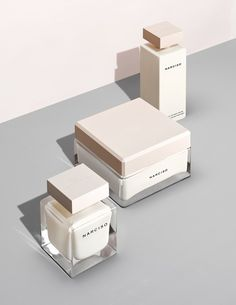 Feminine and luxurious packaging design for high end cosmetic brand. - - Feminine and luxurious packaging design for high end cosmetic brand. Skincare Packaging, Perfume Packaging, Luxury Packaging, Cosmetic Packaging, Beauty Packaging, Brand Packaging, Design Packaging, Glass Packaging, Container Design