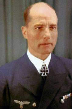 """Korvettenkapitän Karl-Friedrich Merten (1905-1993), Kommandant Unterseeboote """"U 68"""", Ritterkreuz 13.06.1942, Eichenlaub (147) 16.11.1942"""