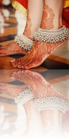 Types of Indian Jewelry Designs – Fashion Asia Silver Jewellery Indian, Indian Wedding Jewelry, Indian Jewellery Design, Indian Bridal, Bridal Jewelry, Jewelry Design, Gold Jewelry, Silver Anklets Designs, Anklet Designs