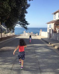 Side by side..exploring Pacific Grove neighborhoods! We found this amazing view! #sidebysideexploringtheworld #twins #twinsies #twingirls #twinsisters #twinstagram #ocean #oceanwater #oceanview #pacificbeach #pacificgrove #sisters #bedandbreakfast #monterey #montereybay #ourtown #montereybaylocals - posted by  https://www.instagram.com/side_by_side_twins - See more of Monterey Bay at http://montereybaylocals.com