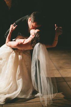 melhores-fotos-de-beijo-no-casamento-casarpontocom (23)