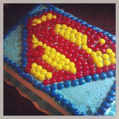 Use M's to create Superman birthday cake!