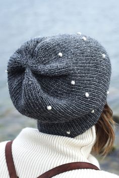 Beanie and hat patterns by Novita, Snowball beanie made with Novita 7 Brothers yarn Knitting Socks, Knitting Stitches, Baby Knitting, Knitted Hats, Knitting Patterns, Hat Patterns, Stylish Hats, Knitting Accessories, Trends 2018