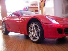 Joulunpunainenhan sen pitää olla... Bmw, Vehicles, Cars, Vehicle