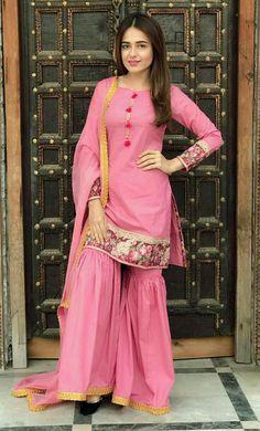 New Feeha Jamshed Spring Flitz Lawn Dresses 2019 Pakistani Formal Dresses, Pakistani Party Wear, Pakistani Dress Design, Pakistani Outfits, Indian Dresses, Indian Outfits, Pakistani Bridal, Salwar Dress, Patiala Salwar
