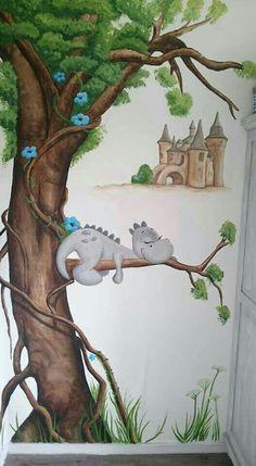 Muurschildering Castle and cute dragon mural Kids Room Murals, Murals For Kids, Kids Room Art, Wall Murals, Art For Kids, Mural Painting, Painting For Kids, Dragon Nursery, School Murals