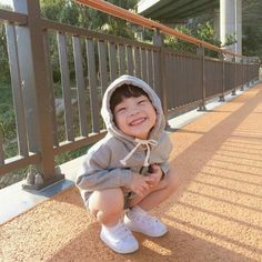 Find images and videos about baby, kid and asian baby on We Heart It - the app to get lost in what you love. Cute Asian Babies, Korean Babies, Asian Kids, Cute Babies, Cute Little Baby, Little Babies, Baby Kids, Baby Boy Newborn, Baby Pictures
