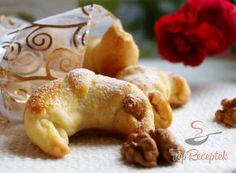 Czech Recipes, Russian Recipes, Little Kitchen, Holiday Dinner, Croissants, Creative Food, Bagel, Doughnut, Holiday Recipes
