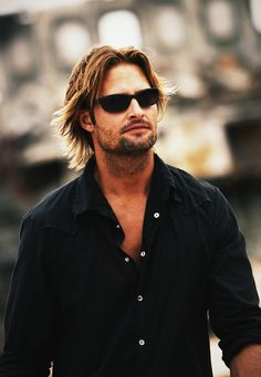 Josh Holloway - Joshua Lee Josh Holloway (born July is an American actor and model from Free Home, Georgia. He is best known for his role as James Sawyer Ford on the American television show Lost. Joshua Lee, Josh Holloway, Matthew Fox, Lizzie Mcguire, Lost, Attractive Men, Our Lady, Belle Photo, Beautiful People