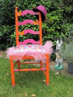 Alice in Wonderland, whimsey chair.