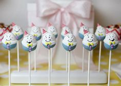 Mouths of Mums LOVE these creative party pops - Humpty Dumpty Cake Pops from Bakerella