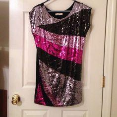 arden b// dress worn 1x// sequined front// back is black Arden B Dresses Mini