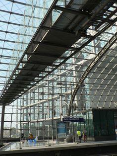 Berliner Hauptbahnhof www.art-in-berlin. Berlin Today, Berlin Germany, Classical Architecture, Art And Architecture, Pictures Of Germany, Berlin City, Train Station, Public Transport, Dresden