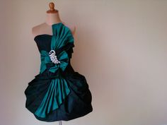 Fashion Inspiration, Strapless Dress, One Shoulder, Passion, Dark, Formal Dresses, Green, Cute, Strapless Gown