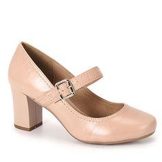 Sapato boneca salto Cesaretti 382-4671, em couro com detalhe de pespontos aplicado no modelo. Fechamento em fivela para melhor calce. O forro é confortável e palmilha revestida em PU para maior confor