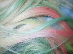 how to lighten your hair to help with those super bright dye jobs, remove old rainbow color or just lighten your hair several shade using shampoo recipe