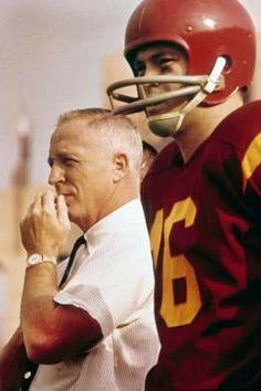 Sport Football, College Football, Football Helmets, Football Coaches, Usc Trojans, Tough Guy, Coaching, Guys, Sports