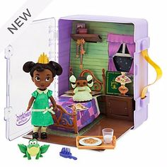 For fans of the young cook, this Disney Animators' Collection Tiana Mini Doll Play Set has all the right ingredients. Inspired by Disney's The Princess and the Frog, it comes in a royal carry case with ''pop-up'' backdrop and lots of accessories. Mickey Mouse Club, Disney Mickey Mouse, Walt Disney, Disney Cars, Disney Princess Dolls, Disney Dolls, Princess Toys, Disney Babies, Disney Store Uk
