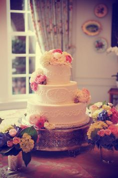 love the monogram and the vintage cake stand!