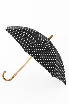 TWW UMBRELLA BAMBOO ドット2  TWW UMBRELLA BAMBOO ドット2 14904 2016AW IENA 晴雨兼用です TRADITIONAL WETHERWEAR (トラディショナル ウェザーウェア) MACKINTOSHがプロデュースする英国の伝統的なスタイルを再解釈したカジュアルウェアブランドです 英国の伝統と今の気分を感じさせるコレクションを展開しています こちらの商品はIENAでの取り扱いになります 直接店舗へお問い合わせの際はIENA店舗へお願い致します